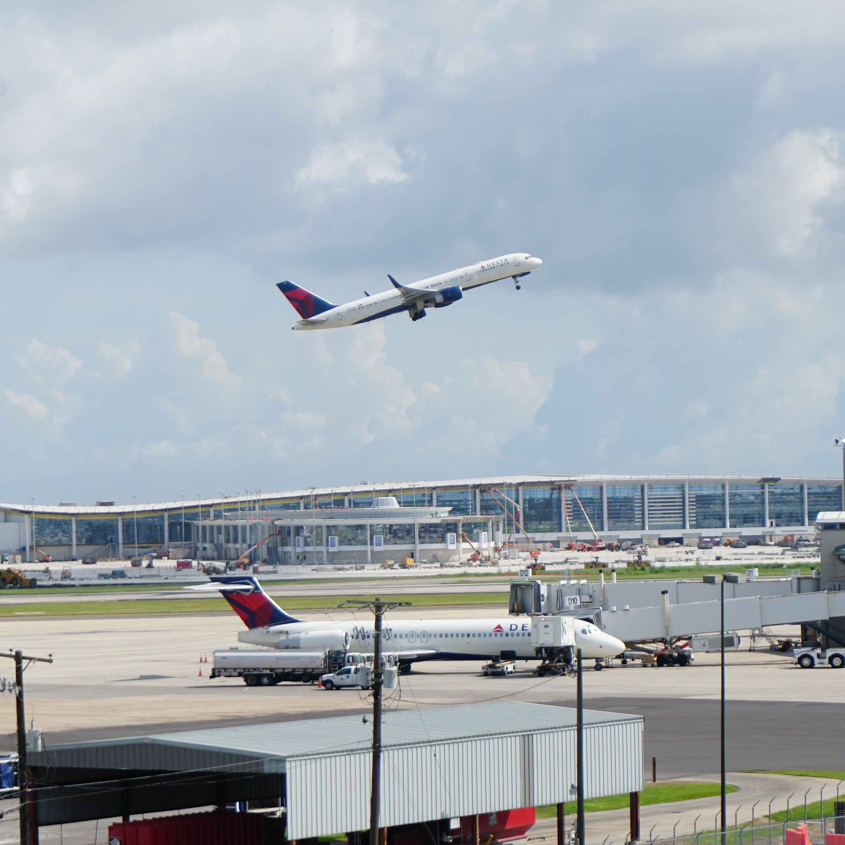 Airport Mimi 1 (2)